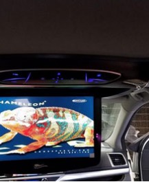 2014 Toyota Highlander with 13 inch Flip Down DVD entertainment system